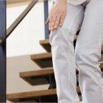 長時間歩くと膝が痛い原因や対処法について