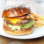 伊勢の「エースバーガーカフェ」はアメリカンなメニューが人気!